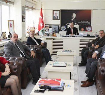 Sinop Üniversitesi Vakfı'ndan Öğrencilere Eğitim Bursu ve Yemek Bursu Kararı